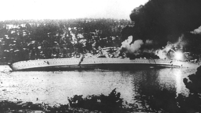 German_cruiser_Blücher_sinking